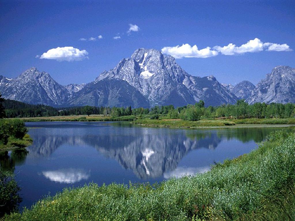 Paesaggio lago monte montagna neve foresta cielo specchio natura
